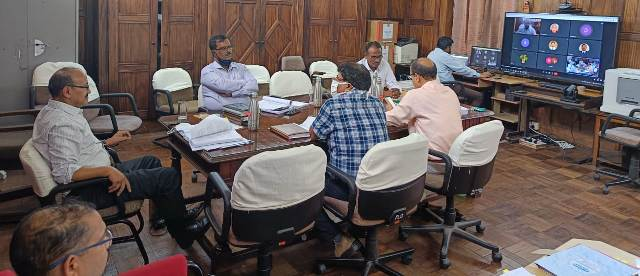 एफआरआई में अनुसंधान सलाहकार समूह की बैठक आयोजित, विशेषज्ञों ने दिए सुझााव