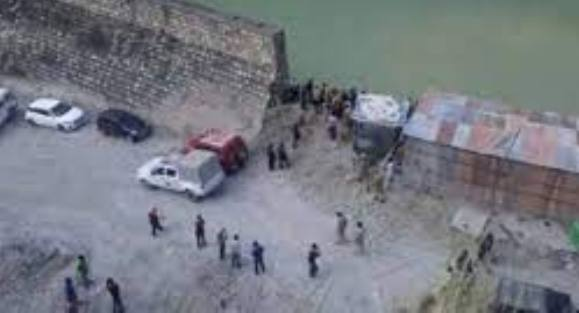 उत्तराखण्ड: टिहरी झील में समाई कार , तीन लोग लापता