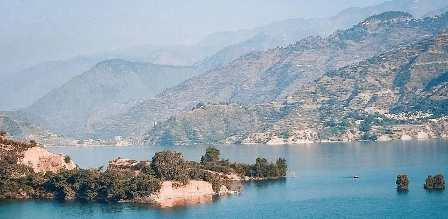 टिहरी झील का बढ़ा जलस्तर, करोड़ों की संपत्ति झील में डूबी,लोगों में दहशत